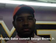 Recruit pulls out baby gator to announce college