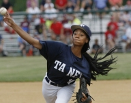 Someone thinks Geno Auriemma is already recruiting Mo'ne Davis just because he congratulated her on the LLWS