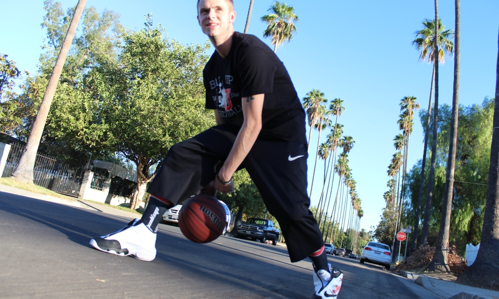 Elite 24 Streetball Legend The Professor Dishes On Three Flashy Moves Players Can Use Usa Today High School Sports Then watch this crazy legs basketball move. streetball legend the professor dishes