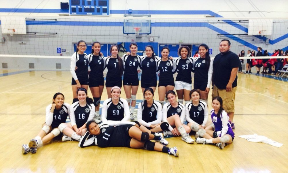The North Hollywood girls volleyball team in its illegal black uniform that cost the team a victory —contributed photo via North Hollywood volleyball
