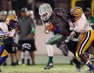 Fort Myers defeats Charlotte 33-26, comes from behind