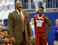 Frazier's free throws lift Florida over Arkansas