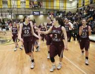 Dowling's Audrey Faber beats buzzer, Southeast Polk