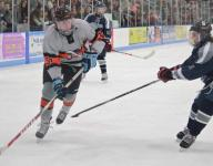 Middletown North holds off South in SCT hockey quarterfinals