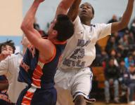 Saunders continues 'dream season' with win over Greeley