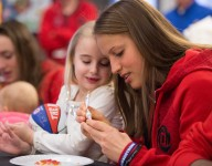 McDonald's All-Americans share spirit at Ronald McDonald House in Chicago