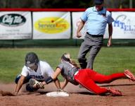 Siegel softball edges Oakland to stay perfect
