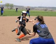 Amanda-Clearcreek holds off Warren, 10-6
