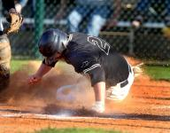 Tigers grab first with sweep