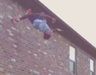VIDEO: Nigel Knott's off-the-wall backflip catch might be the best we've seen yet