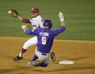 Hogs fall to losers' bracket