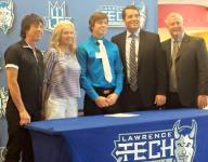 Churchill's Smith signs on with LTU's hockey program