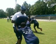 Cliff Avril hosts free football camp at Clay High School