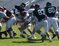Siegel gets early wake-up call at scrimmage