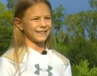 VIDEO: 10-year-old becomes first girl to play tackle football in league in Katy, Texas