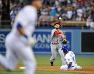 Reds fall again against Dodgers