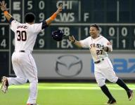 Altuve's 2-out single in 9th sends Astros over Tigers