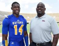 Oxford's Metcalf learns from a pro — his dad