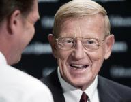 El Paso school pulls Lou Holtz from gala after backlash from immigration comments