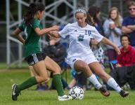 Roundup: Lakers down Hilltoppers to stay unbeaten