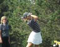 De Pere girls golf team making own magic