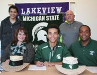 Lakeview's Walker signs to play golf at Michigan State