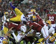 Hogs look to push Fournette side to side
