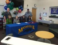 Riggle, Sidwell sign letters of intent