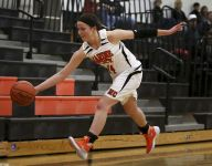 Lady Mariners hold on for win over Cros-Lex