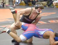 IA high school wrestler dies after collapsing at tournament