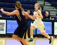 Lady Commandos pull away in fourth