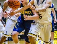 Waverly boys hoops edges DeWitt, stays perfect in Red