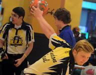 Commandos advance to state bowling tournament