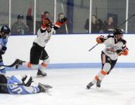 Mamaroneck inches back up the hockey rankings after beating Suffern