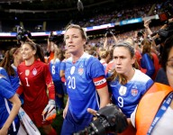 VIDEO: What happens when youth soccer players recognize Abby Wambach at airport