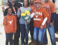 Former NBA star Chauncey Billups' daughter signs with Texas for soccer