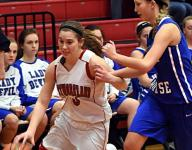 Lady Eagles roll past White House