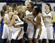Kickapoo girls bringing home basketball state championship trophy