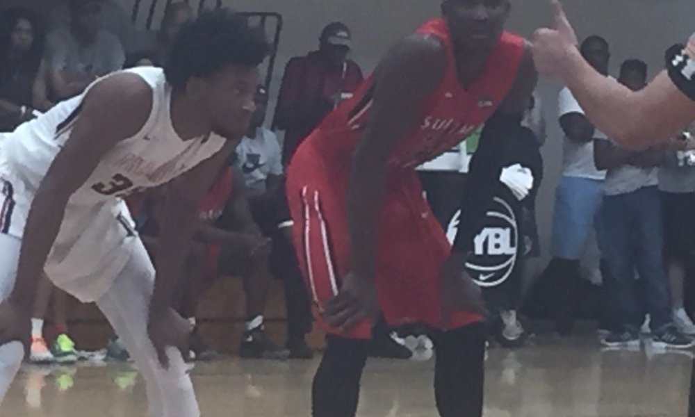 Marvin Bagley III (left) and DeAndre Ayton (right) (Photo: Twitter)