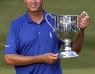 Davis Love III gets the Gold Tee Award from Met Golf Writers