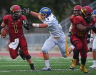 Devericks pulls it together, leads Roosevelt to win