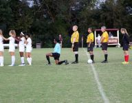 Indiana girls soccer player kneels in response to Terence Crutcher shooting in Tulsa