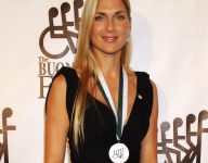 Volleyball legend Gabrielle Reece on knee replacement, managing pain, Olympics and more