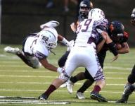 Scarsdale edges Mamaroneck in varsity football action