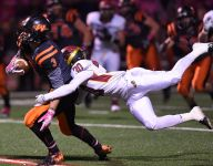 Washington beats Roosevelt to finish undefeated, clinch top seed
