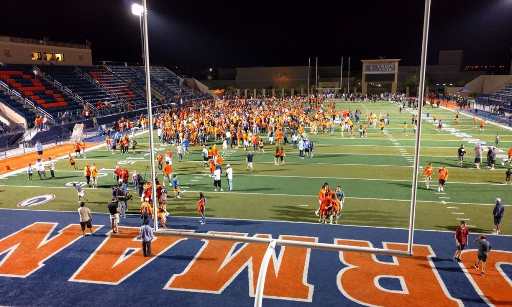 Bishop Gorman remained undefeated with a blowout of Nevada rival Spring Valley (Photo: Twitter)