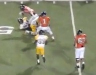 VIDEO: Texas WR Ryan Lipe somehow escaped two sure tackles simultaneously on 63-yard TD
