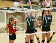 Raiders outlast Auks in thriller to reach volleyball final