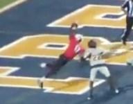 VIDEO: Texas sophomore Dekendrick Bender's one-handed TD is catch of the week
