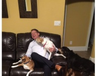 Auburn coach Gus Malzahn got mobbed by OL commit's dogs during in-home visit